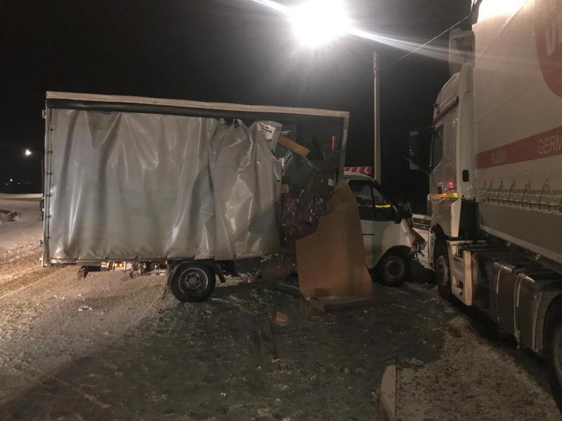В Шиловском районе столкнулись два грузовика