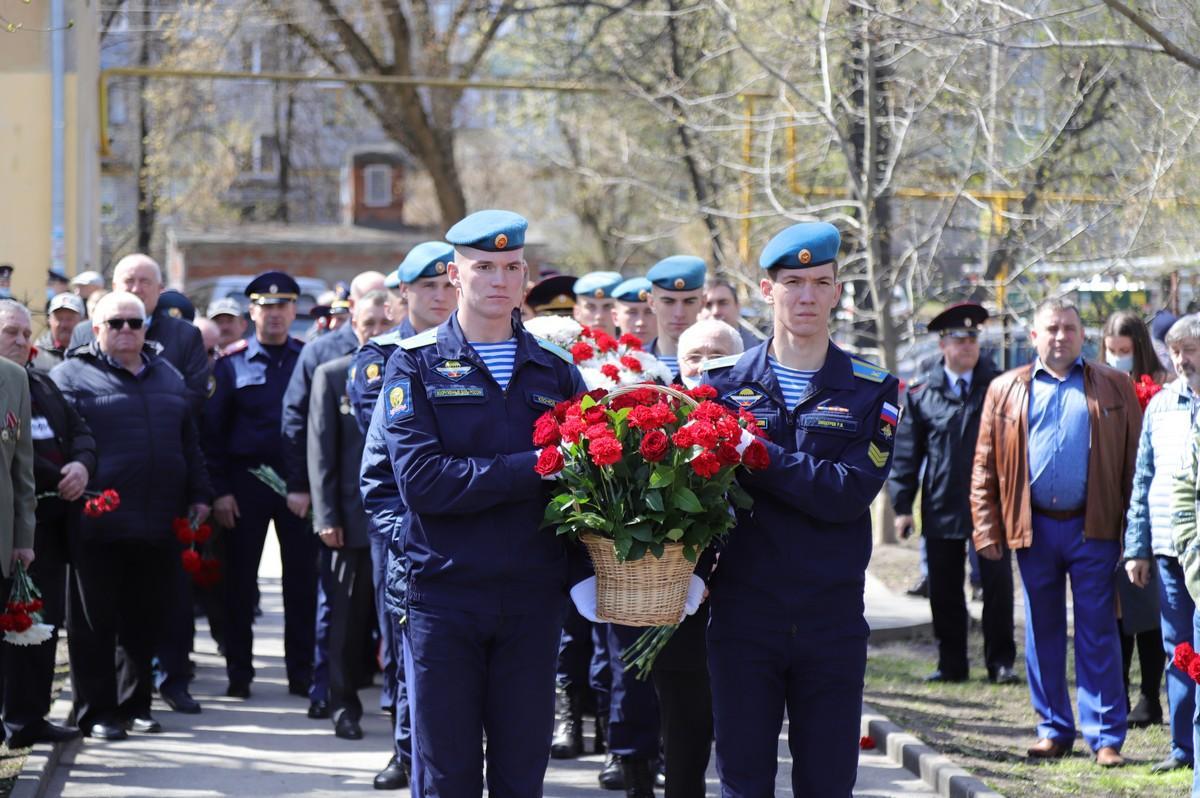 Рязанцы возложили цветы к памятнику ликвидаторов аварии на Чернобыльской АЭС