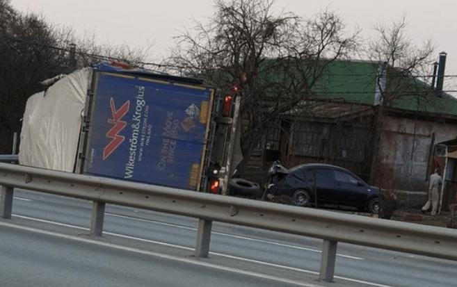 Под Рязанью водитель фуры устроил массовое ДТП