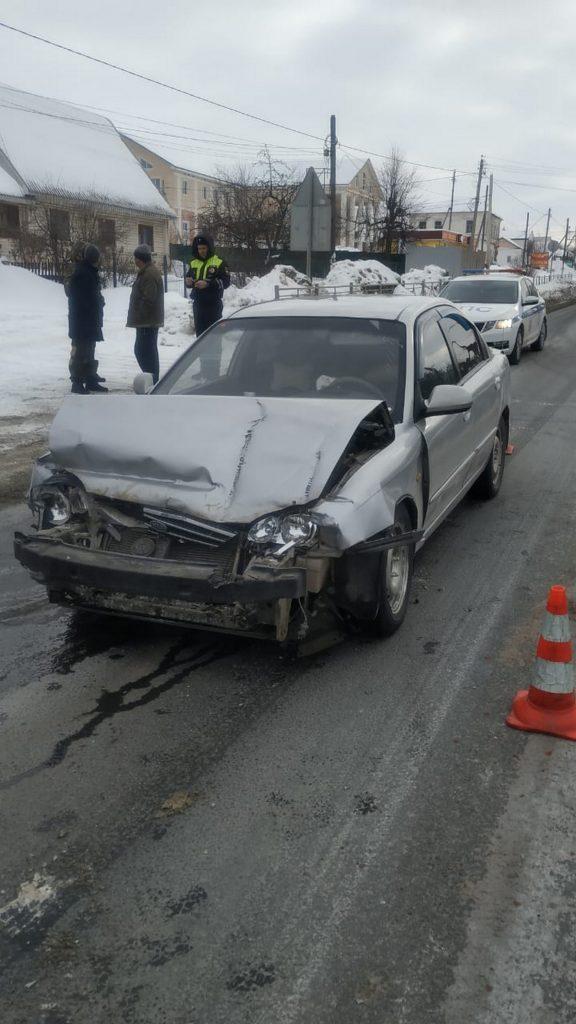 В Путятино пьяный водитель легковушки врезался в остановившуюся фуру