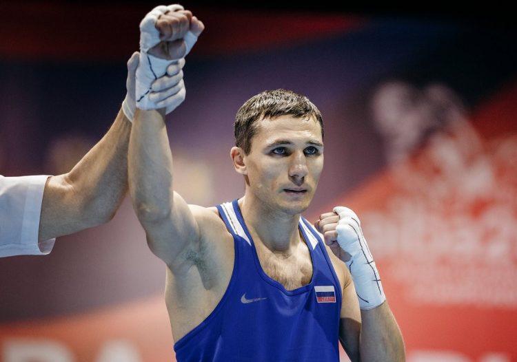 Российский боксёр Замковой вышел в полуфинал Олимпийских игр в Токио