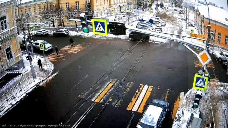 Новый светофор в центре Рязани работал в тестовом режиме