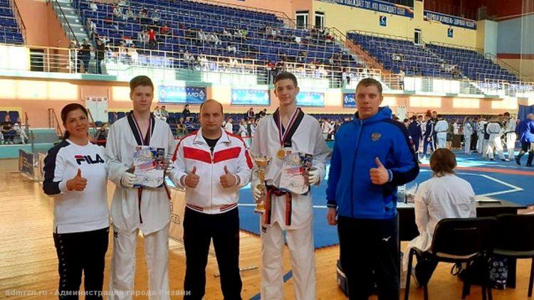 Рязанские спортсмены завоевали 6 медалей на соревнованиях первенства по тхэквондо