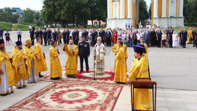 В Рязанском кремле прошел молебен в честь Дня ВДВ