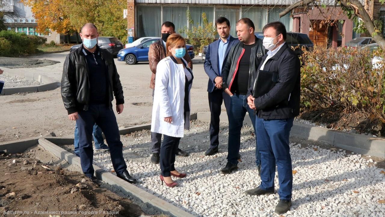Сорокина проконтролировала работы по благоустройству на Народном бульваре
