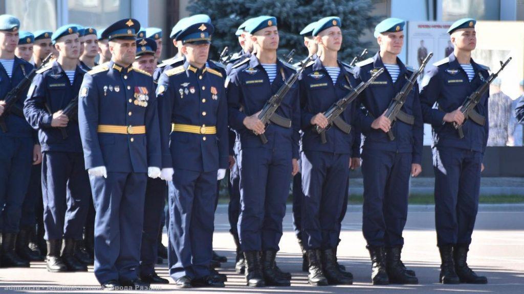405 первокурсников РВВДКУ имени Маргелова приняли военную присягу