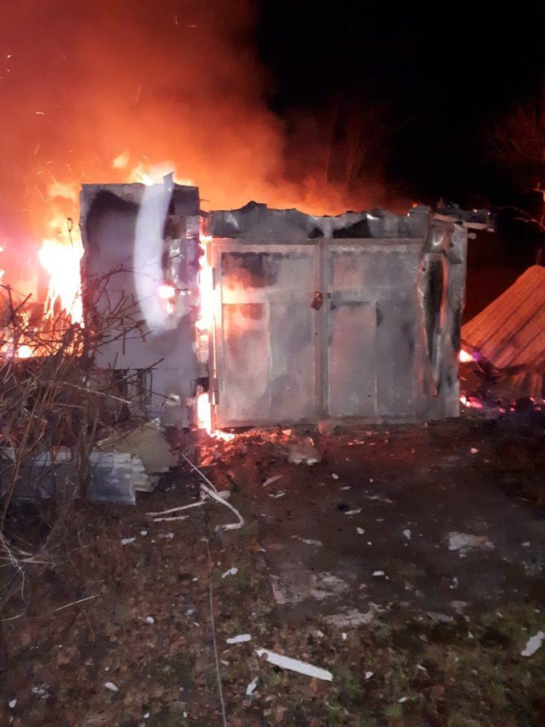 В Старожиловском районе пожарные четыре часа тушили загоревшийся дом