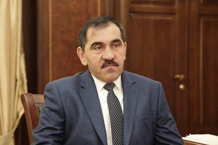 В Рязани проголосовал на выборах в Госдуму замминистра обороны Юнус-Бек Евкуров