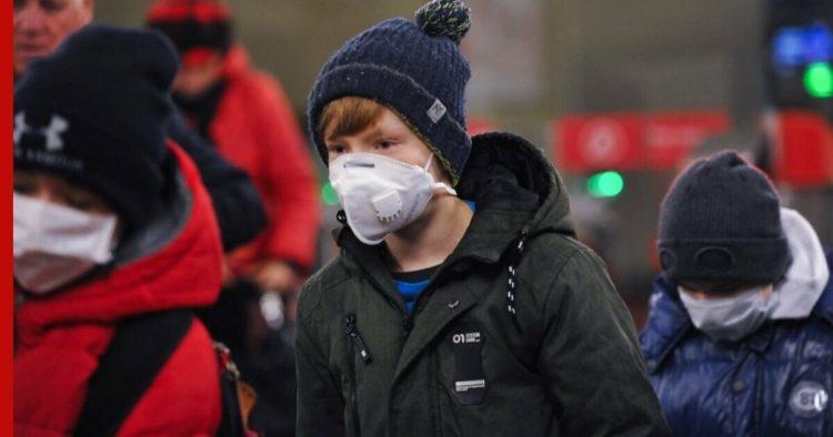 Рязанским подросткам запретили посещать торговые центры без сопровождения родителей до 15 ноября