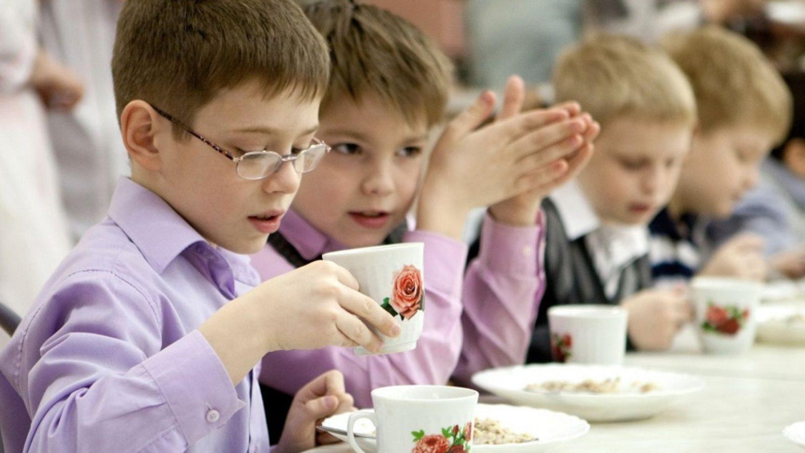 Рязанская гордума оценила возможность организации бесплатного питания для школьников