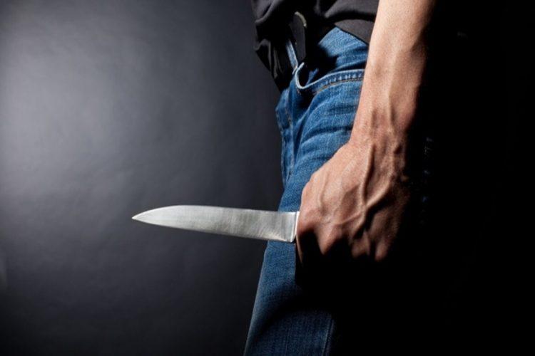 41-летний рязанец угрожал управляющему ТСЖ ножом